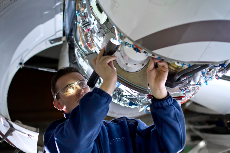 Aircraft_maintenance1